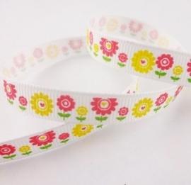 10.06 Wit lint met roze en gele bloemen