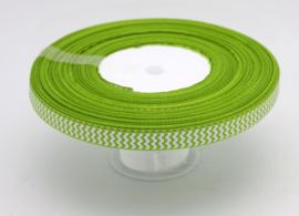 10.05 Licht groen lint met wit gekartelde opdruk