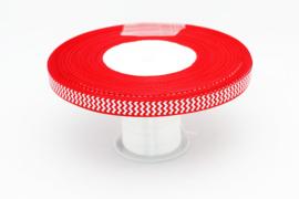 10.05 Rood lint met wit gekartelde opdruk