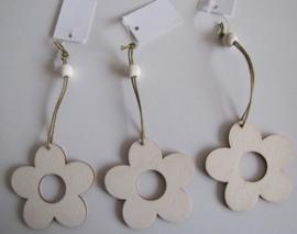 04. Houten hangers: bloem