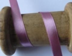 10.15 Oud roze satijn lint