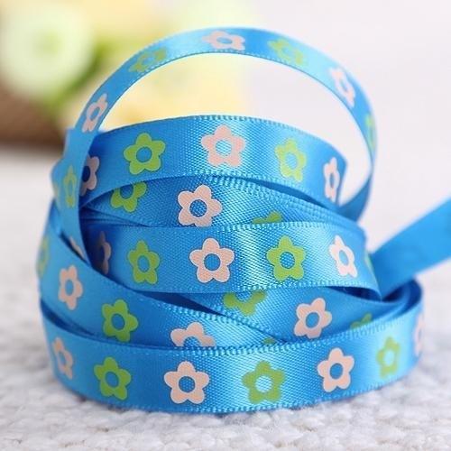10.06 Blauw lint met bloemen