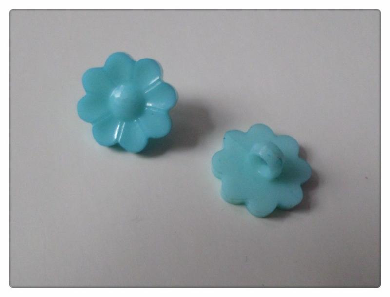 08.02 Blauwe bloemen knoopjes