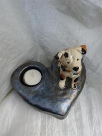 Hond op hart urn -2-