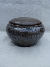 Urn bruin / brons tinten. MU 38