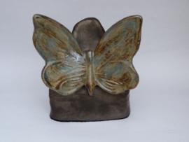 Urn rotsje met vlinder MU 78