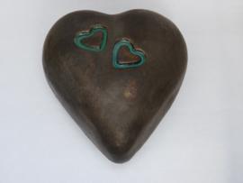 Urn hart met 2 kleine hartjes ingewerkt MU 79
