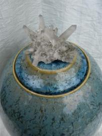 Urn ijsblauw. U 93