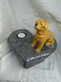 Hond op hart urn -1-
