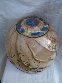 Urn bruin / blauw. U 117