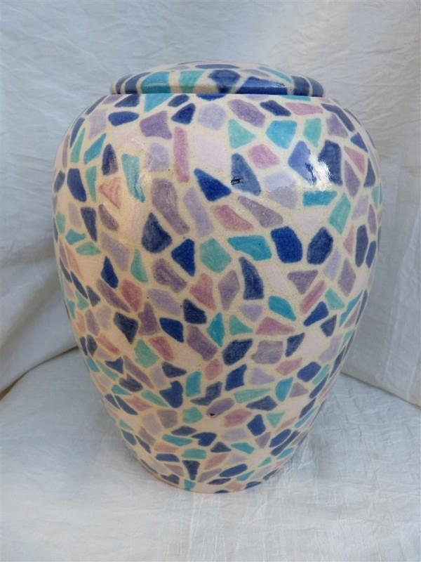 Urn mozaik beschilderd.U 80