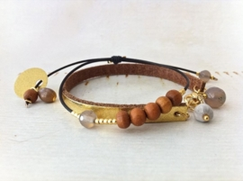 Bracelet Agate Grey & Sandalwood - `Calm & Stability`