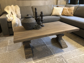Mooi klooster salontafel van vergrijsd teakhout *Maatwerk*