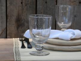 Wijnglas met bubbels helder
