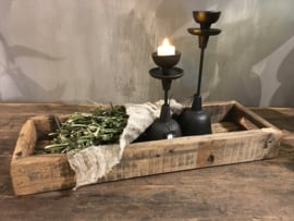Stoer dienblad van oud hout