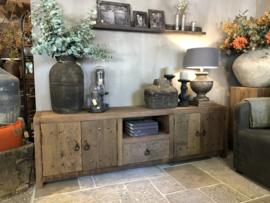 Stoer tv-meubel van doorleefd oud hout 150 & 200 cm