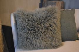 Kussen groen tibetaans lam