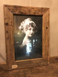 Stoere grote fotolijst oud hout 30 x 40 cm