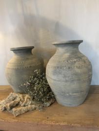 Mooie unieke clay vaasjes grijs