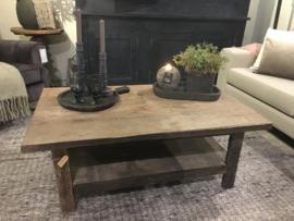 Salontafel van oud hout met onderplank 120 x 70