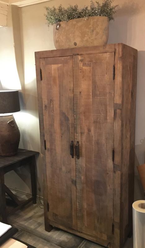 Stoere kast van oud teakhout 2 deuren