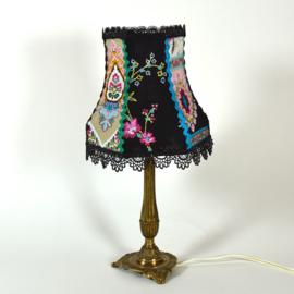 Lampje stof en kantjes