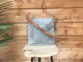Grijze tas met rond-sierpatroon