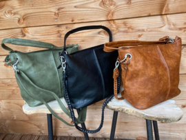 Groene bag in bag tas met siernaad