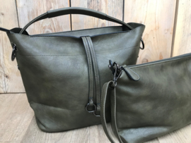 Groene bag in bag tas met sierhanger
