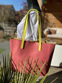 Roze shopper met geel hengsel