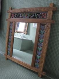 Houten spiegel met bloemenmotief