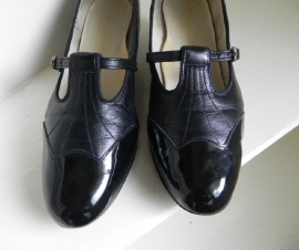 Vintage granny pumps shoes (2014)