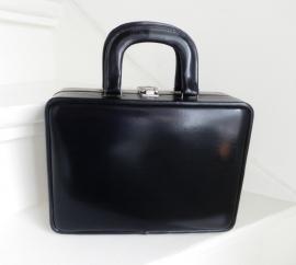 Vintage beauty case zwart rood (2010)