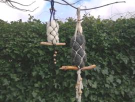 Schapenwol hanger voor vogelnest