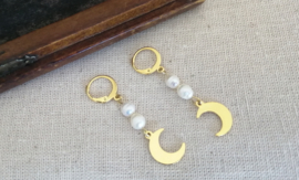 Pearls and Moon