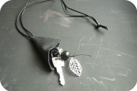 Keyholder necklace Black