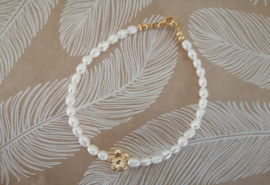 Flower Gold and Pearls