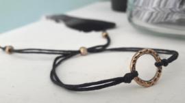 Antique Golden Ring Black