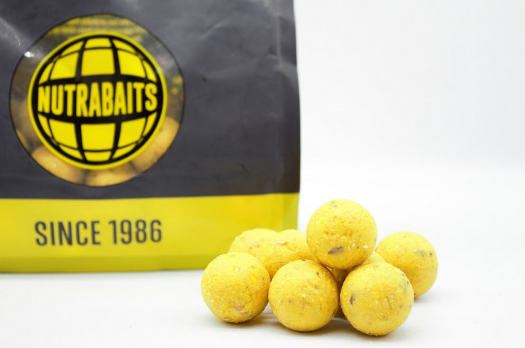 Nutrabaits Shelf-Life Pineapple & Banana Boilies