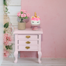 Small chest of drawers light pink romantic