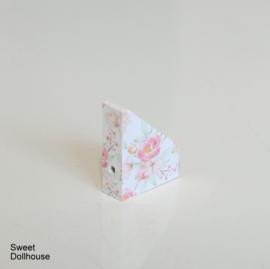 Magazine cassette flowers white