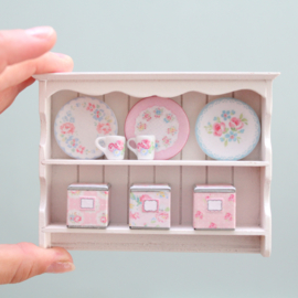 Decorated plate rack white