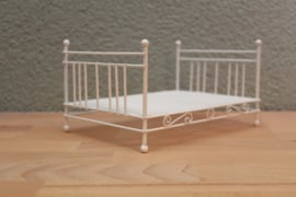 2-persoons bed wit