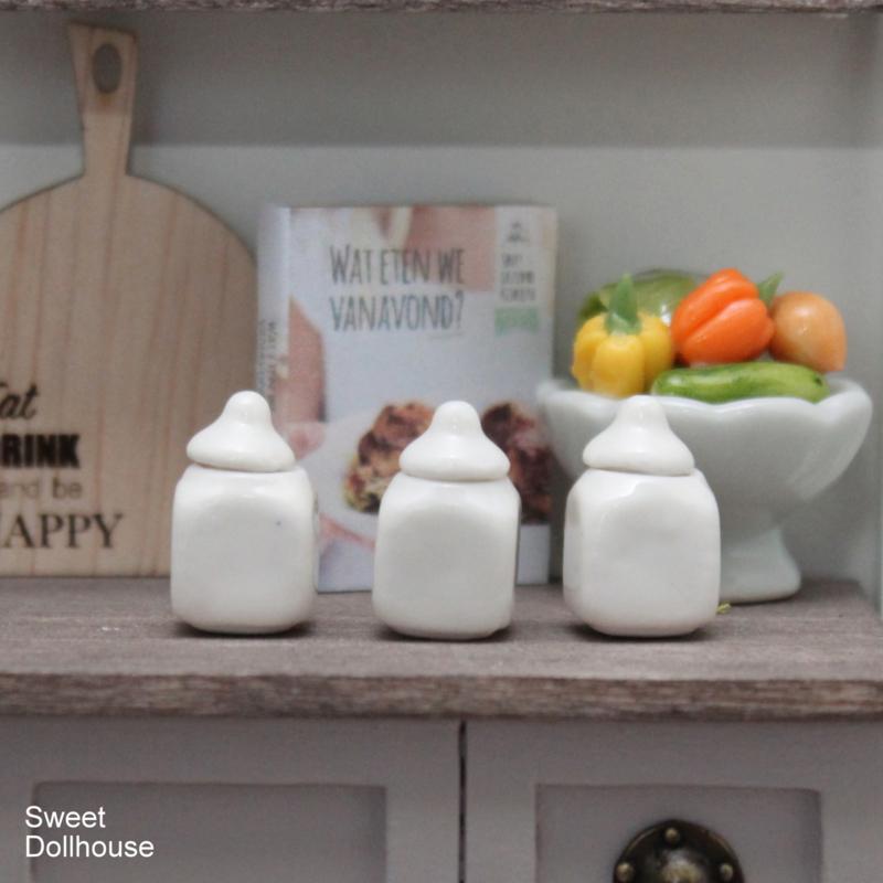 Porcelain jars square