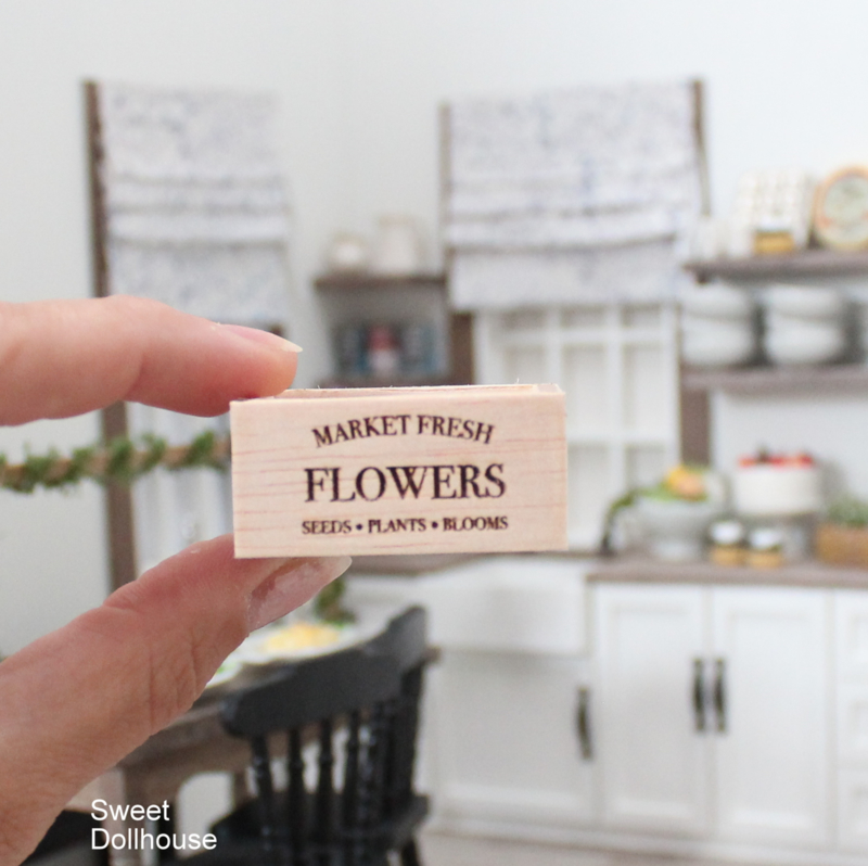 Wooden tray FLOWERS