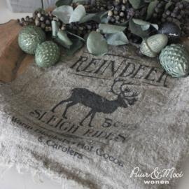 Kerst Shabby Doek | Reindeer Sleigh Rides | 30 x 45 | Uitverkocht