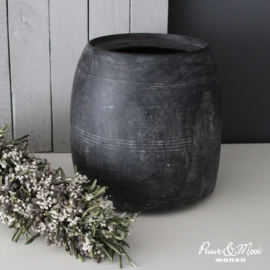 Nepalese Pot Grey Wash | 25 x 24 cm