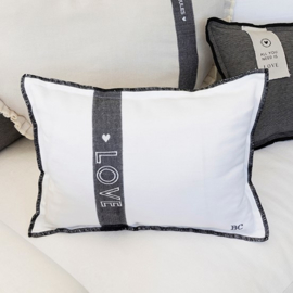 Kussen Love | 25 x 35 | White | incl. Vulling | Bastion Collections