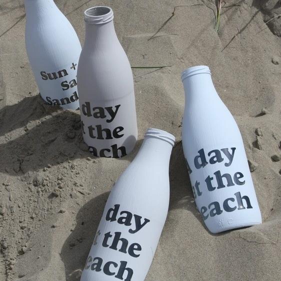 "Fles ""A day at the Beach"" Licht Blauw"
