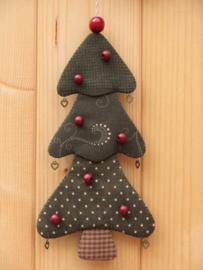 Patroon + materialen hanger 'Kerstboompje' met rode kralen en hartjes